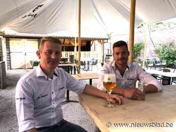 """Cafébaas Gilles tovert zijn terras om tot seafoodbar: """"Een extra duwtje in de rug om eens langs te komen"""""""