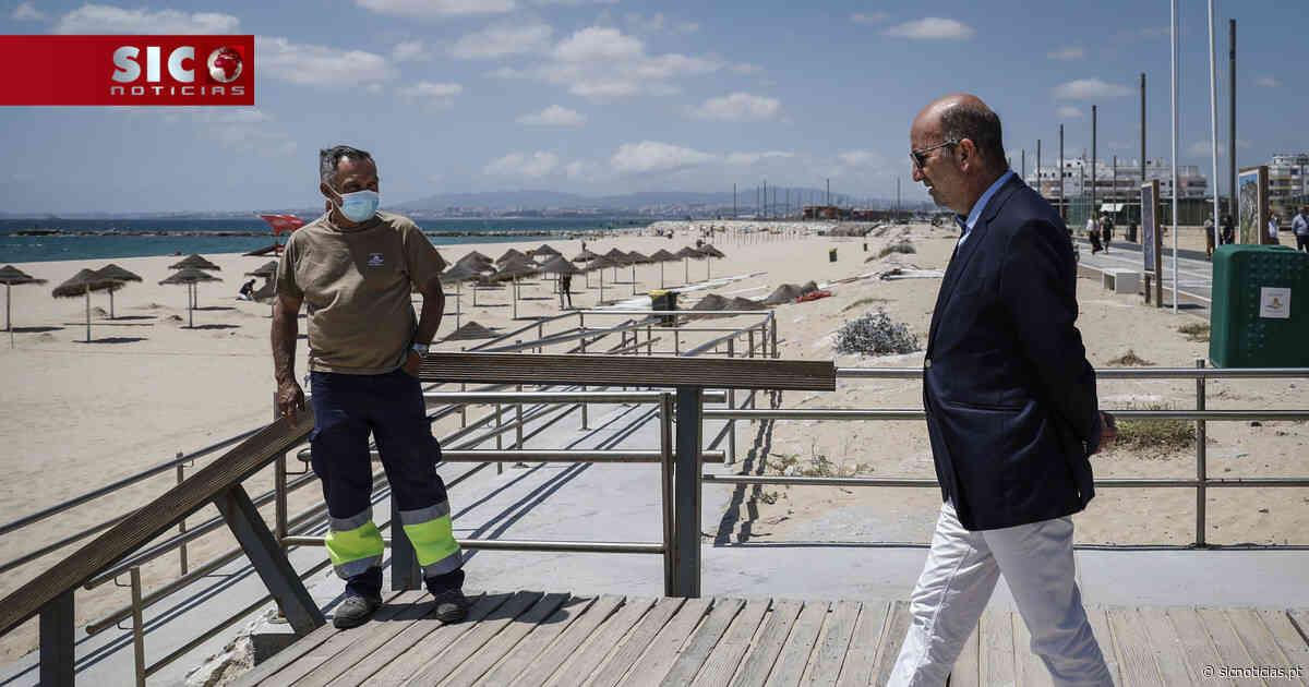 Época balnear começa sábado no Algarve, Almada, Cascais e Nazaré - SIC Notícias