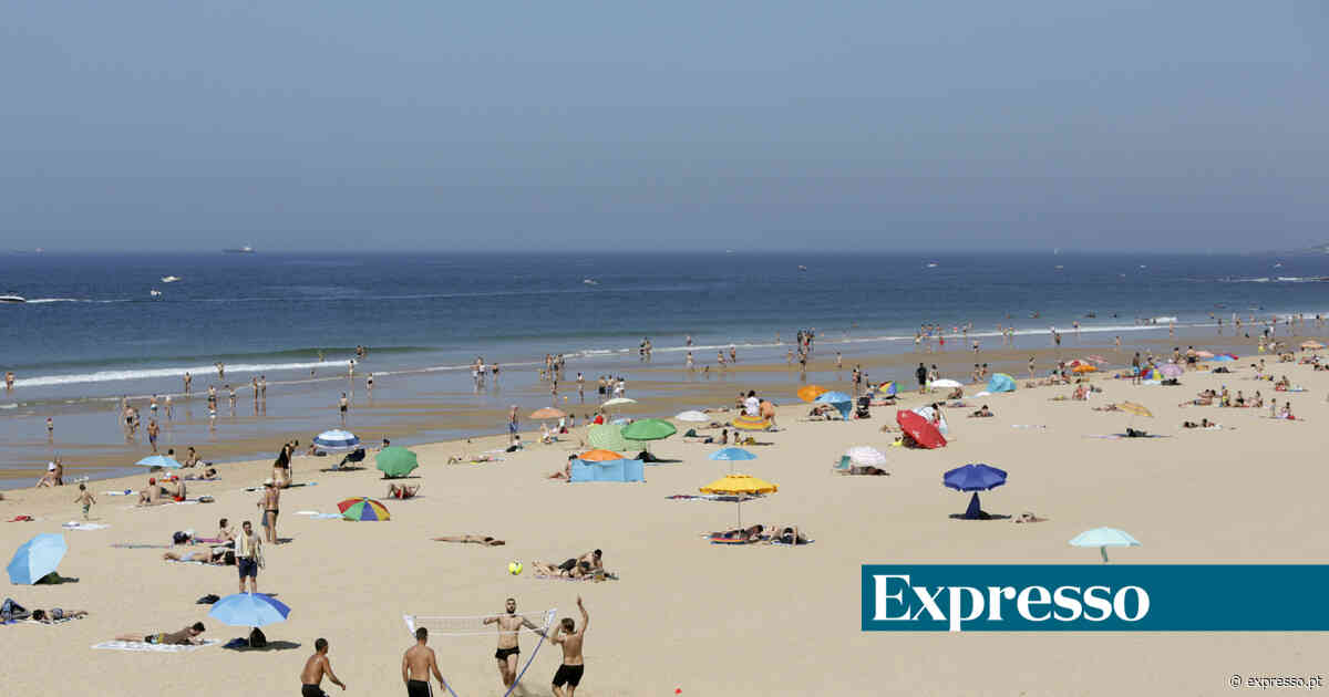 Praias do Algarve, Almada, Cascais e Nazaré com vigilância a partir de amanhã - Expresso