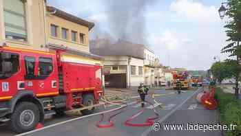 Gimont: un garage en proie aux flammes, la circulation perturbée sur la RN 124 - LaDepeche.fr