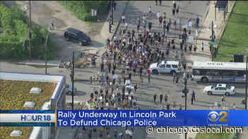 Rally Steps Off In Lincoln Park Neighborhood, Calls For Defunding Of Chicago Police Department - CBS Chicago