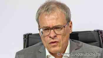 Finanzvorstand Peters verlässt Schalke nach 27 Jahren - Süddeutsche Zeitung