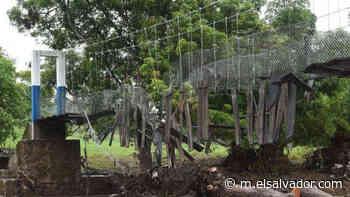 El puente de San Pablo Tacachico fue destruido por el río Suquiapa antes de ser inaugurado - elsalvador.com