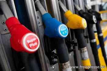 Tankstelle: Autofahrer reißt Zapfschlauch ab - Freie Presse