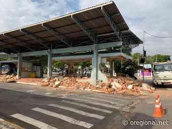 Prefeitura realiza demolição da antiga rodoviária no centro de Artur Nogueira - O Regional