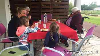 TÉMOIGNAGES - Les résidents de l'EHPAD d'Audincourt retrouvent leurs petits-enfants - France Bleu