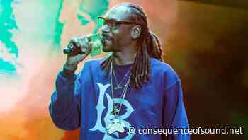 "Snoop Dogg Says He'd Been ""Brainwashed"" into Thinking He Couldn't Vote - Consequence of Sound"