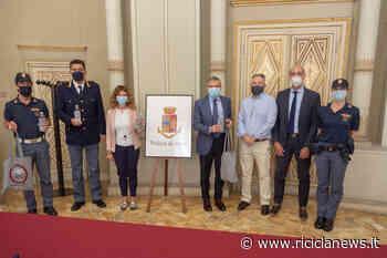 Stop al monouso alla Questura di Ferrara, Ispra e Snpa donano 350 borracce - Ricicla News