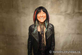 Buffy Sainte-Marie, a trailblazing singer-songwriter, refused to be silent about Indigenous rights - CityNews Toronto