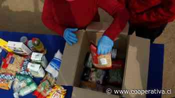 Vecinos de La Pintana volvieron a las ollas comunes: Acusan que cajas de alimentos son insuficientes - Cooperativa.cl
