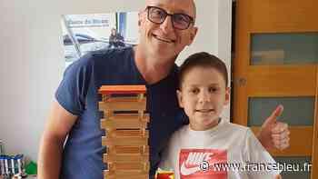 Loire-Atlantique : un père et son fils, de Bouaye, ont participé au clip de Jean-Louis Aubert - France Bleu