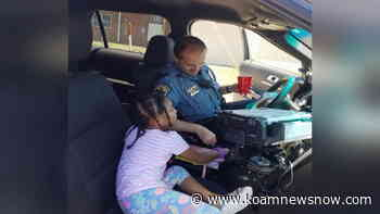 Granby Police Chief shares lemonade with little girl - KoamNewsNow.com