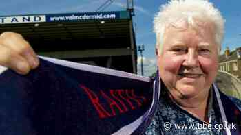 Raith Rovers: Fan David Greig wins role in best-selling author's new novel - BBC News
