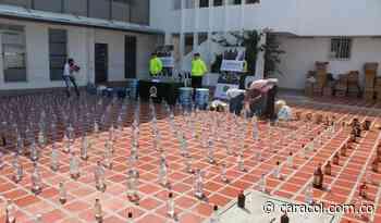 Licor adulterado y de contrabando fue descubierto en la vía Paipa-Bogotá - Caracol Radio