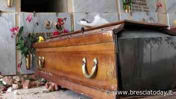 Orrore al cimitero, tombe profanate nella notte: lapidi divelte e bare aperte - BresciaToday