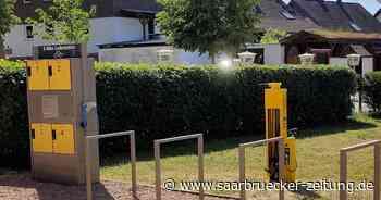 Fahrradreparaturständer in Kirkel installiert - Saarbrücker Zeitung