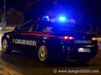 Serrati controlli dei carabinieri della compagnia di Guastalla durante la notte - Bologna 2000