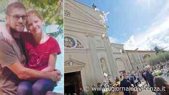 Palloncini in cielo per l'ultimo saluto a Filippo e Gloria - Il Giornale di Vicenza
