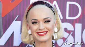 Hochschwangere Katy Perry zeigt beim Auftritt ihre XL-Babykugel - RTL Online