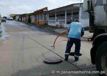 Residentes en Puerto Pilón de quejan de desborde de aguas servidas - Panamá América