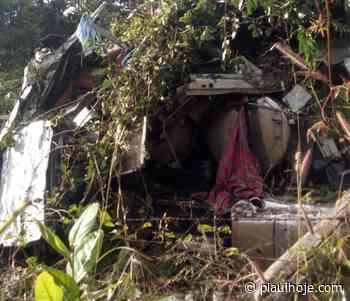 Colisão entre duas carretas deixa um morto em Monte Alegre do Piauí - Piauí Hoje