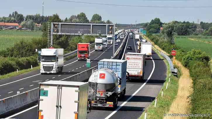 Avvallamento in autostrada, chiuso il tratto di A4 tra Portogruaro e Latisana: code e disagi - Il Mattino di Padova