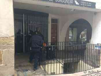 Jura. À Lons-le-Saunier, la police vient faire des constatations rue du Commerce suite à une rixe nocturne - actu.fr