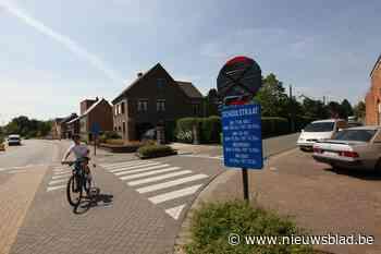 """Deze Schoolstraat is nu ook écht een schoolstraat: """"Veiliger voor de kinderen en duurzamer"""" - Het Nieuwsblad"""