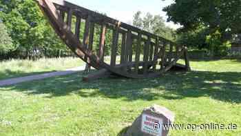 Schiffsbrücke in Seligenstadt: Planken sind morsch und rissig - op-online.de