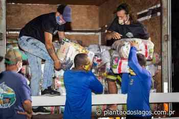 Pescadores de Arraial do Cabo e trabalhadores do turismo náutico de Arraial recebem apoio alimentar - Plantão dos Lagos