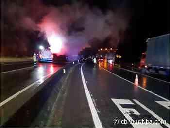 Acidente perto da entrada de Guaratuba deixa BR-376 paralisada - CBN Curitiba - CBN Curitiba - CBN Curitiba 90.1 FM