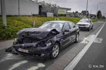 Grote schade bij aanrijding op de Rijksweg in Lendelede - Krant van Westvlaanderen