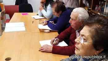 Scuola, esami di terza media per tre ottantenni a Gioia del Colle: si sono preparati anche su Zoom - La Repubblica
