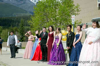 Congrats Valemount Grads! - The Rocky Mountain Goat