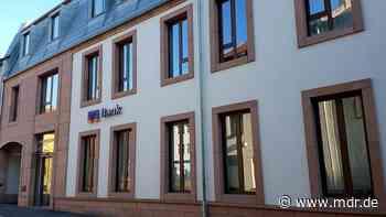 VR Bank Bad Salzungen-Schmalkalden will sich mit Whistleblower vergleichen - MDR