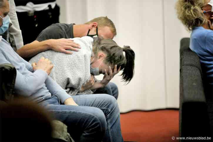 """Moeder van vermoorde Chelsea (2) barst in tranen uit na veroordeling Megan: """"Zij kan nog een kindje krijgen, ik ben mijn oogappel kwijt"""""""