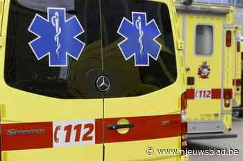 Fietser naar ziekenhuis na aanrijding