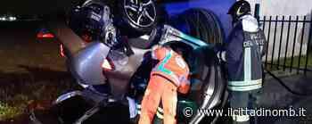 Agrate Brianza: finisce fuori strada e si ribalta con l'auto, un ferito - Il Cittadino di Monza e Brianza