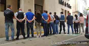 Carpentras : les policiers déposent les menottes - La Provence