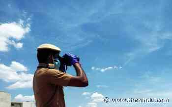 Chennai police deploy personnel with binoculars to prevent kite flying with maanja - The Hindu