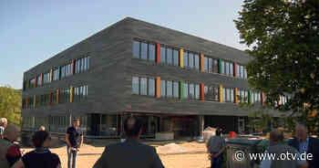 Sulzbach-Rosenberg: Fassade der WHR erstrahlt in neuem Glanz - Oberpfalz TV