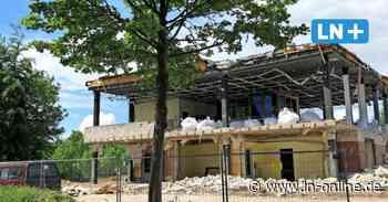 Größte Baustelle in Reinfeld: Das alte Rettungszentrum wird angerissen - Lübecker Nachrichten