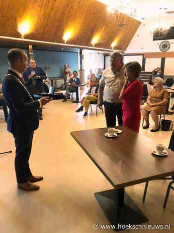 Koninklijke Onderscheiding voor mevrouw De Geus-Torn uit 's-Gravendeel - Hoeksche Waard Nieuws - Hoeksche Waard Nieuws