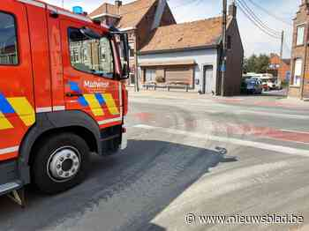 Opruimen beton zorgt even voor verkeershinder (Pittem) - Het Nieuwsblad