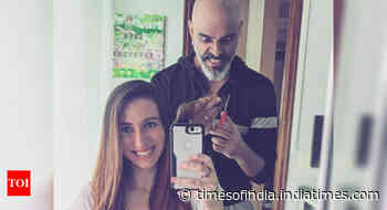 Roadies fame Raghu Ram turns hairstylist for wife Natalie - Times of India