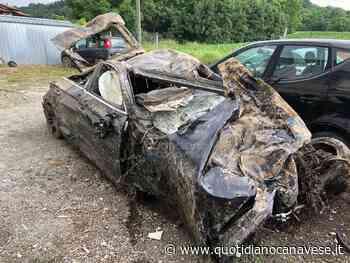 SAN GIUSTO CANAVESE - Recuperata l'auto precipitata nella scarpata lungo l'autostrada Torino-Aosta - FOTO - QC QuotidianoCanavese
