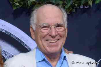 Jimmy Buffett to make Grand Ole Opry debut June 27 - UPI News