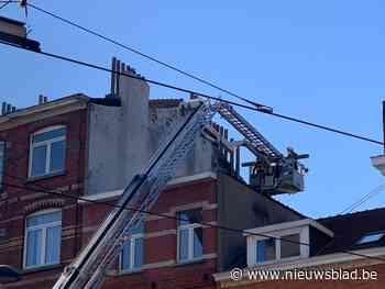 Brandweer stuurt rekening voor schoorsteenpijp die naar beneden dreigt te vallen - Het Nieuwsblad