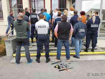 Jura. À Lons-le-Saunier, les policiers manifestent leur mécontentement - actu.fr
