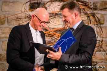 Streit in Radebeul: Jörg Bernig zieht Kandidatur zurück - Freie Presse
